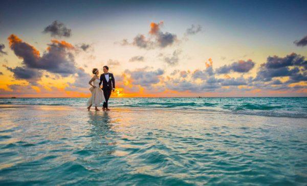 5 Smart Tips To Plan An Unforgettable Honeymoon